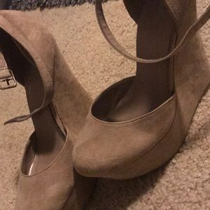 Tan size 8 Strappy Wedge Heel